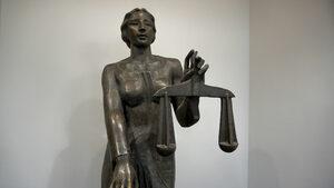 Магистратите да се противопоставят публично при нарушение на правото, призовава организация