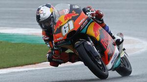 Снимка на деня: 15-годишен пилот пренаписа историята на MotoGP