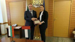 Обединените арабски емирства търсят земя и земеделски продукти в България