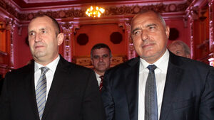 Президент и премиер чакат кой ще направи първата крачка за среща помежду им