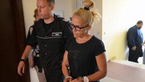 Прокуратурата прехвърли към съда въпроса за различните мерки спрямо Иванчева и Дюлгеров