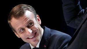 Франция прие спорни закони за борба с фалшивите новини по време на избори