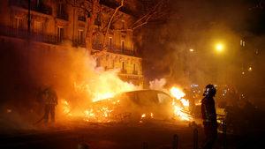 """Франция се готви за ожесточени протести на """"жълтите жилетки"""""""