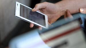 Близо 18% от възрастните сърфират редовно, 25% никога не са ползвали интернет