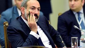 Блокът на изпълняващия длъжността премиер на Армения печели убедително на изборите