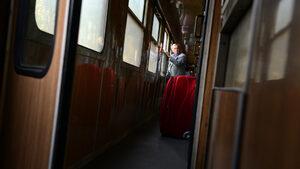 Локомотив на пътнически влак е излязъл от релсите в Искърското дефиле