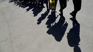 """""""Кипър е препълнен"""": островът е в хватката на задълбочаваща се мигрантска криза"""