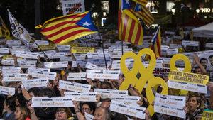 Защо испанският премиер втвърди тона към Каталуня