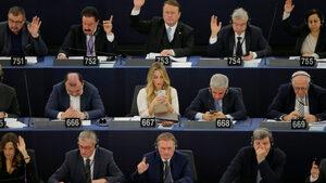 Европарламентът подкрепи мащабното търговско споразумение между ЕС и Япония