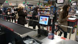 Най-натоварените дни за пазаруване на храни са 23 и 30 декември, сочат данни