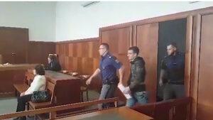 Българин, осъден за терористични заплахи, ще излежи присъдата си, реши чешки съд