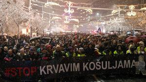 Въпреки снега хиляди демонстрираха в Белград срещу президента Вучич
