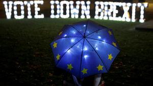 """Бизнесът """"гледа с ужас"""", докато Великобритания се подготвя за Брекзит без сделка"""