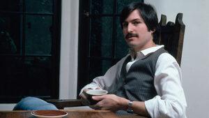"""Откъс от """"Стив Джобс: Биографичен портрет"""" на Кевин Линч"""
