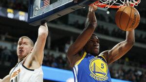 """""""Голдън стейт"""" постави рекорд в НБА с 51 точки за една четвърт"""