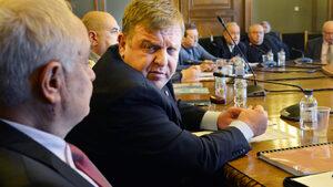 Парламентът даде мандат на правителството да преговаря за Ф-16 със САЩ