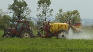 Европарламентът поиска по-добри правила за разрешаване на пестициди