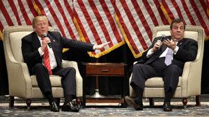 Тръмп назначава аматьори и мошеници, пише в мемоарите си негов горещ поддръжник