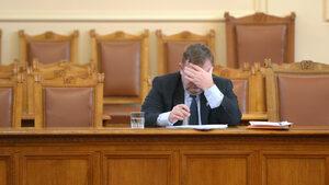 "Каракачанов: Европейските избори ще покажат дали ще се разпаднат ""Обединени патриоти"""