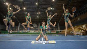 Видео: Когато гимнастичките хванат ракети за тенис