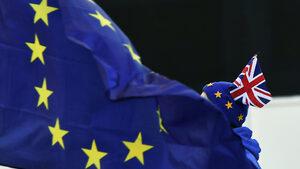 Европейците във Великобритания ще подават безплатно документите си за оставане