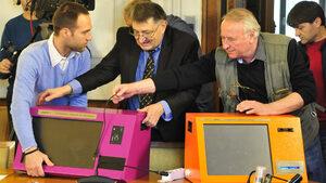 Новата избирателна комисия ще обяви поръчка за машинно гласуване два месеца преди вота
