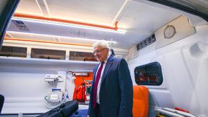 Грешката в здравеопазването е, че не са решавани проблемите, смята министър Ананиев