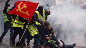 """Изпускане на парата: Откъде започна атаката на """"жълтите жилетки"""" срещу държавата"""
