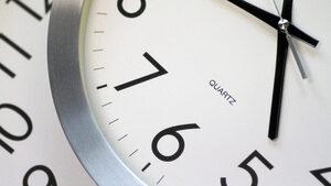 Евродепутати поискаха край на смяната на времето през 2020 г.
