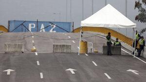 """Съобщение за """"300 тона помощи"""" въвлече Русия в спора на Гуайдо и Мадуро"""