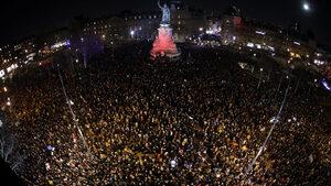 В Париж хиляди хора протестираха срещу антисемитизма