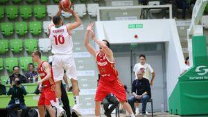 Снимка на деня: Баскетболистите загубиха тежко от Русия