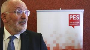 """Кандидатът на ПЕС за поста на Юнкер е бил следен навсякъде в Унгария от враждебни """"журналисти"""""""