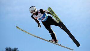 Владимир Зографски беше дисквалифициран на световното по ски скокове