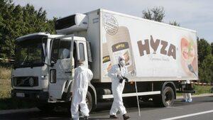 Трима българи и афганистанец са осъдени доживот по делото за загиналите в камион мигранти