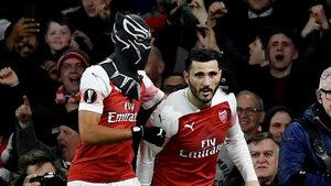 """Снимка на деня: """"Черната пантера"""" Oбамеянг, който поведе """"Арсенал"""" за победа"""