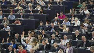 ЕС ще глобява европейски партии за злоупотреби с лични данни на евроизборите