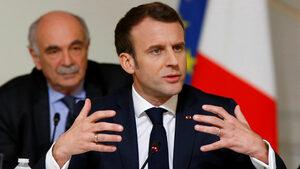 Насилието в Париж засилва натиска върху Макрон да реши какви реформи ще прави