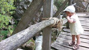 Няколко добри идеи как преходът с деца в планината да стане по-приятен