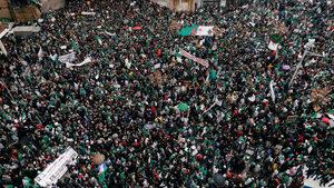 Стотици хиляди алжирци поискаха оставката на президента