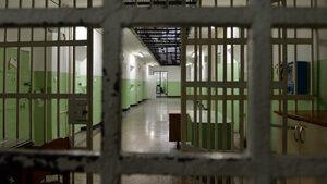 Девет души са в затвора за предлагане на подкупи, повечето от които до 50 лева