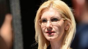 Десислава Ахладова временно ще замества Цецка Цачева като министър на правосъдието