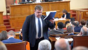 Без Цветанов механизмът за кворум ще забуксува, смята Каракачанов