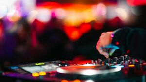 Тази събота, 30 март - елате на първото бар-парти на Бакхус - коктейли, DJ, уиски, джаз, игри и изненади