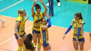 """Доминацията на """"Марица"""" в женския волейбол продължи с пета поредна титла"""