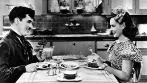 Фотогалерия: 130 години от рождението на Чарли Чаплин - романтичния скитник