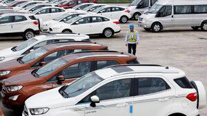 Продажбите на нови автомобили в ЕС от началото на годината паднаха с над 3%