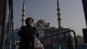 "Ердоган отново подгони ""терористите спекуланти"" заради скъпия лук"
