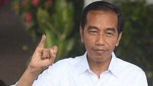 И президентът на Индонезия, и съперникът му се обявиха за победители на изборите