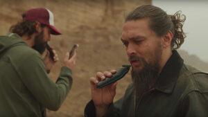 Видео: Джейсън Момоа се раздели с брадата си по природосъобразни причини